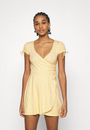 DRESS - Jersey dress - yellow
