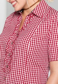 Sheego - Button-down blouse - rot-weiß - 3