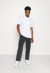 YOURTURN - UNISEX - Basic T-shirt - white - 1