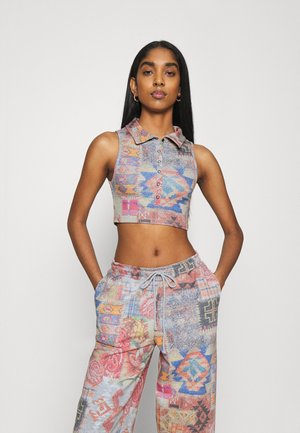 HALTER TOP WITH POPPER FASTENING PATCHWORK PRINT - Top - multi