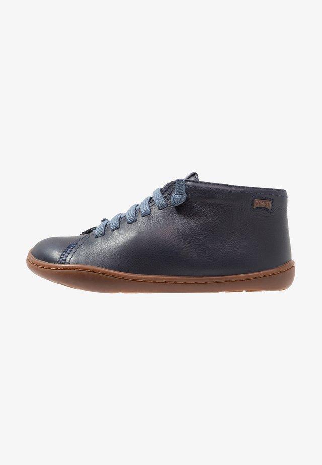 PEU CAMI - Zapatos con cordones - navy