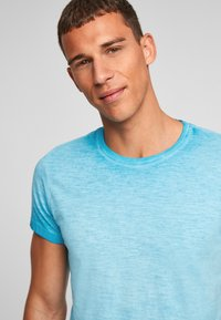 QS by s.Oliver - Basic T-shirt - nautical blue - 4
