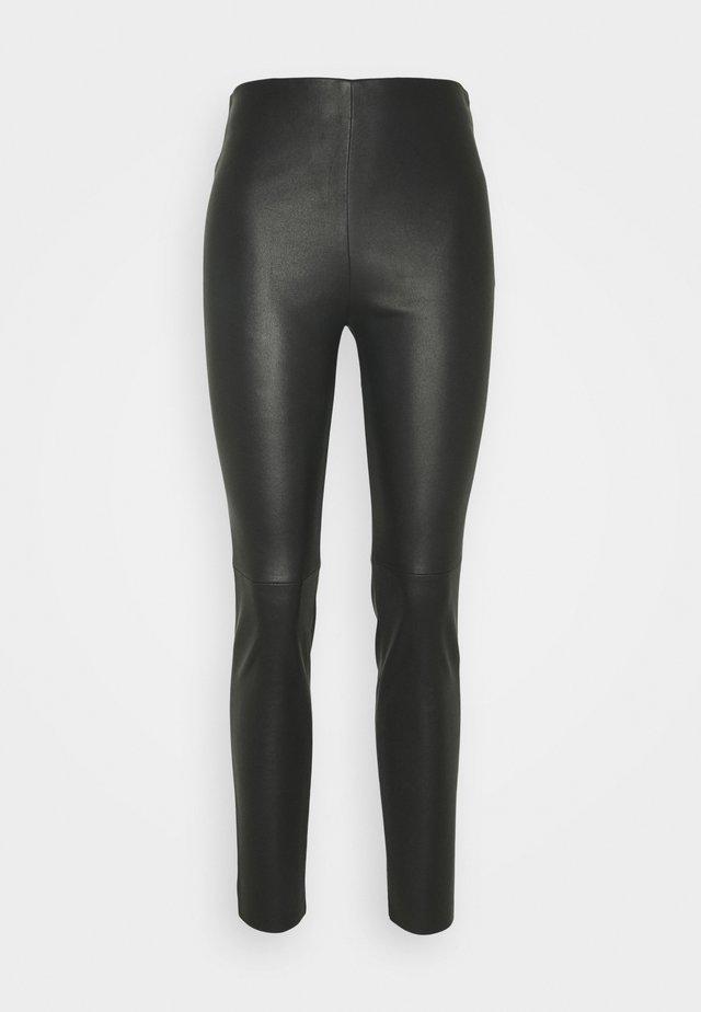 OPACHE - Trousers - schwarz