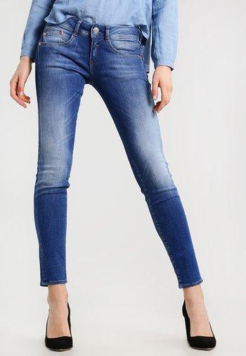 GILA SLIM - Slim fit jeans - bliss