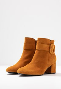 Gabor - Ankle boot - curry - 4