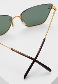 Stella McCartney - Sluneční brýle - gold-coloured/green - 4