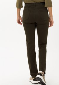 BRAX - STYLE MARY - Slim fit jeans - dark olive - 2