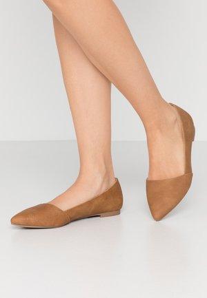 TAITENSIS - Ballet pumps - beige