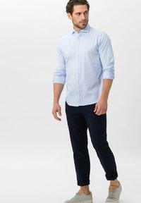 BRAX - STYLE HAROLD - Shirt - bleu - 1