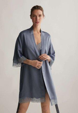MIT SPITZE - Dressing gown - dark blue