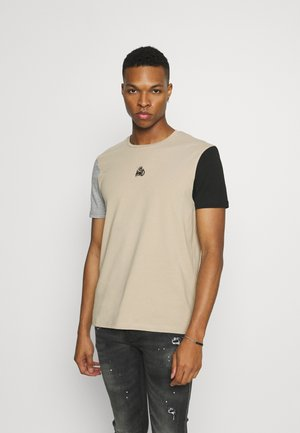 CANON TEE - T-shirt print - sand7grey/black