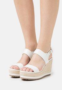 Ted Baker - ARCHEI - Platform sandals - white - 0