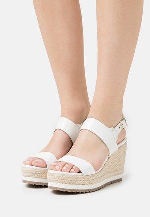 ARCHEI - Platform sandals - white