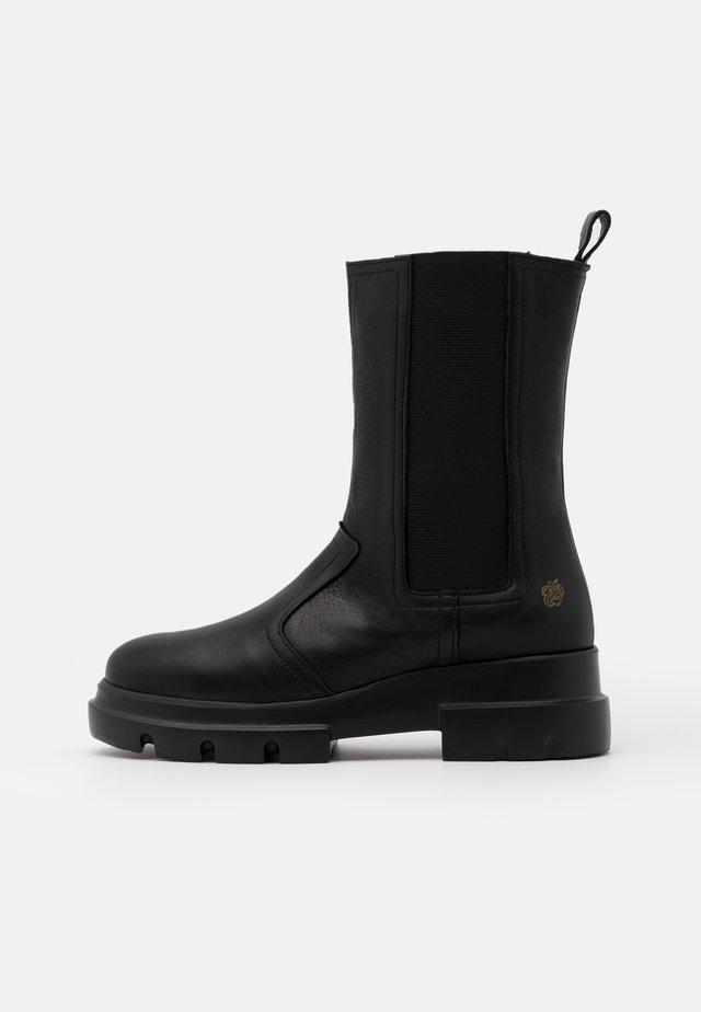 KIM - Kotníkové boty na platformě - black