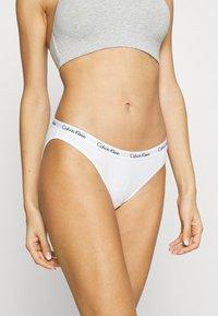 Calvin Klein Underwear - CAROUSEL 3 PACK - Slip - black/white/bare - 4
