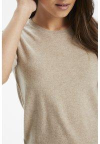 Part Two - EVERLOTTEPW  - Basic T-shirt - light camel melange - 4