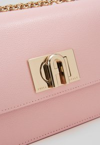 Furla - MINI CROSSBODY - Across body bag - rosa chiaro - 6