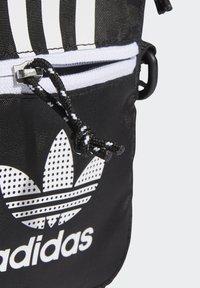 adidas Originals - FESTIVAL UNISEX - Torba na ramię - black/white - 4