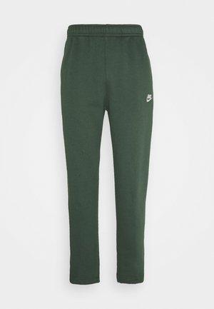 CLUB PANT - Pantalones deportivos - galactic jade/white