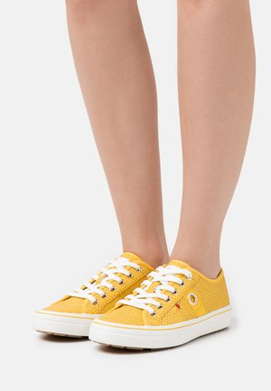 LACE UP - Matalavartiset tennarit - yellow