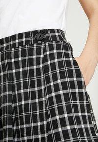 Hollister Co. - SKORT - Shorts - black - 4