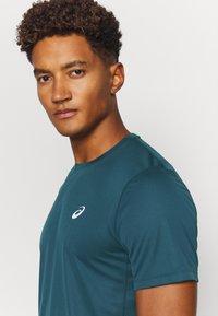 ASICS - KATAKANA  - T-shirt print - magnetic blue - 5