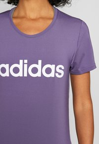 adidas Performance - DESIGN 2 MOVE LOGO TEE - Print T-shirt - tech purple/white - 4