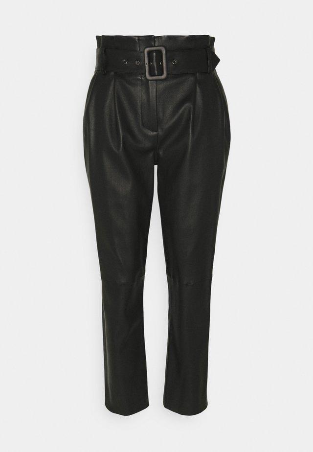 LUXURY PAPERBAG PANTS - Pantalon en cuir - black