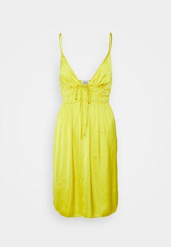 IZABELLA NUISETTE - Nightie - jaune