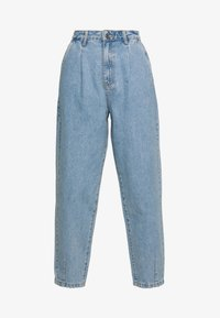 Missguided - SLOUCH HIGHWAISTED PLEAT DETAIL - Relaxed fit jeans - lightwash - 5