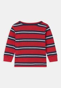 Levi's® - STRIPED - Maglietta a manica lunga - red - 1