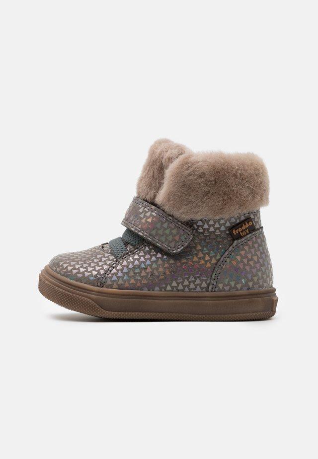 BASCO TEX MEDIUM FIT - Vinterstøvler - grey/silver