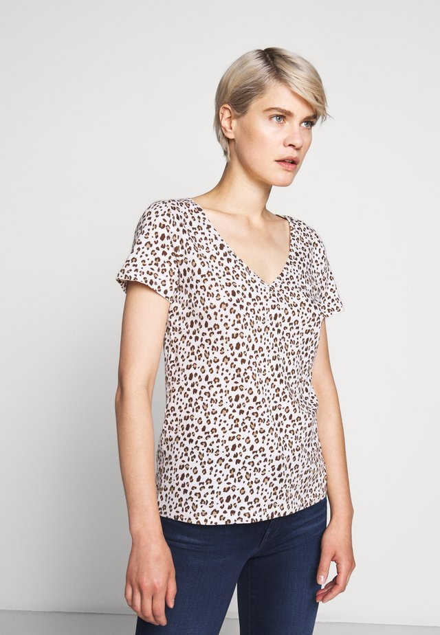 VINTAGE V NECK TEE LEOPARD - T-shirt med print - natural
