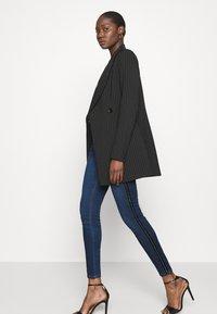 Liu Jo Jeans - DIVINE - Jeans Skinny Fit - blue denim - 3
