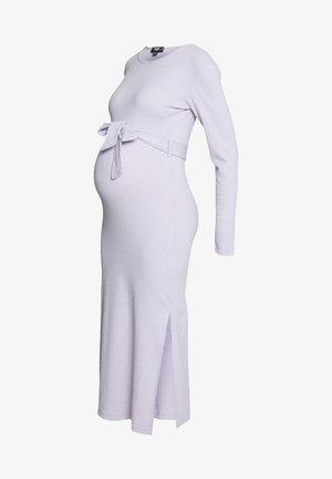 SOFT SPLIT SIDE BELTED DRESS - Jerseyjurk - lilac