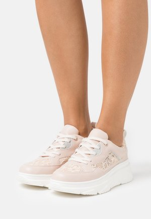 LORELLE - Trainers - light pink