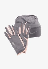 Nike Performance - WOMENS RUN DRY HAT AND GLOVE SET - Guantes - gunsmoke/storm pink/silver - 4