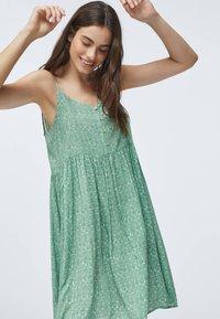 OYSHO - Day dress - green - 0