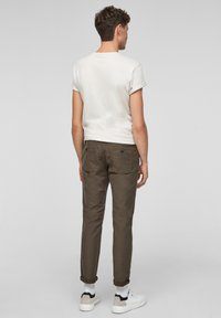 s.Oliver - Chinos - olive - 2