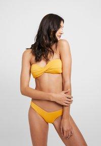 Seafolly - STARDUSTTWIST BANDEAU - Bikini top - saffron - 1