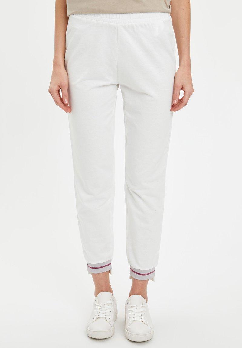 DeFacto - Pantaloni - ecru