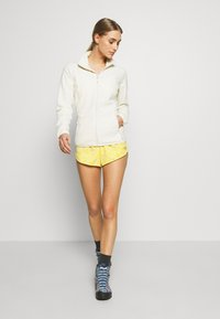 The North Face - WOMENS CLASS MINI - Sports shorts - bamboo yellow - 1