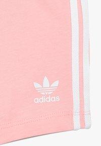 adidas Originals - SET UNISEX - Shorts - white/light pink - 3