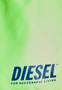 Diesel - BMBX-SANDY-REV - Swimming shorts - neon green - 2