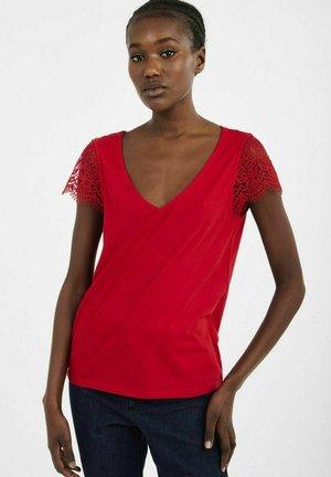 AD05 - Print T-shirt - red