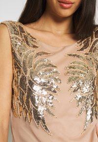 Nly by Nelly - DANCE DRESS - Vestito elegante - gold - 4