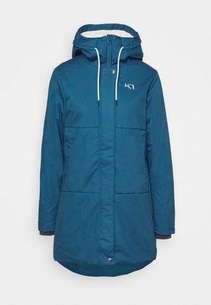SKUTLE JACKET - Winter coat - ocean