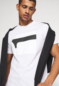 G-Star - 3D NO.1 LOGO+ R T S\S - Print T-shirt - compact white - 3