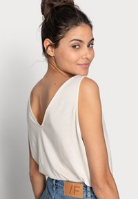 ARKET - Top - offwhite - 4