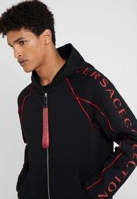 Versace Collection - SPORTIVO FELPA CON CAPPUCCIO - Zip-up hoodie - nero - 4